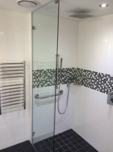 SHOWERS & BALUSTRADES